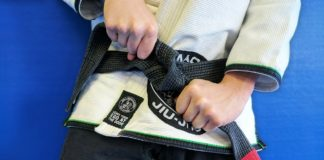 How to tie your BJJ belt bjjspot