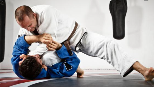 Should Lower Belt be able to Submit a Higher Belt in BJJ?